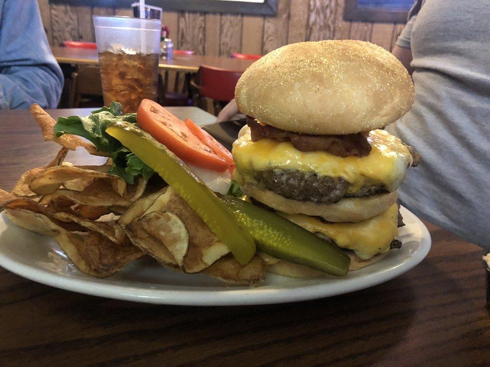 Pour House Pub: 103 E Railroad St, Kingston, IL