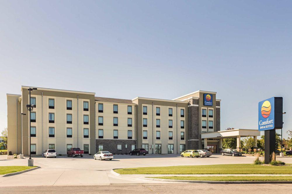 Comfort Inn & Suites Avera Southwest: 3721 W Avera Dr, Sioux Falls, SD
