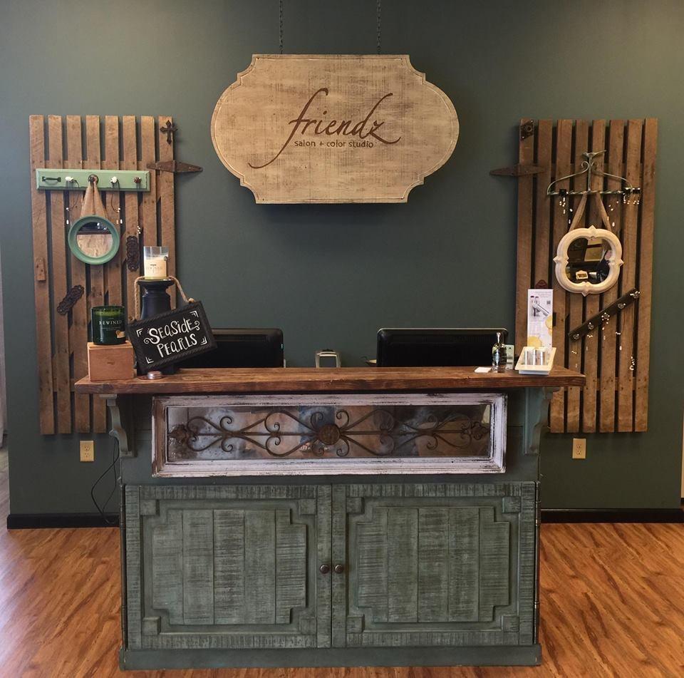Friendz Salon and Color Studio: 2800 Scottsville Rd, Bowling Green, KY