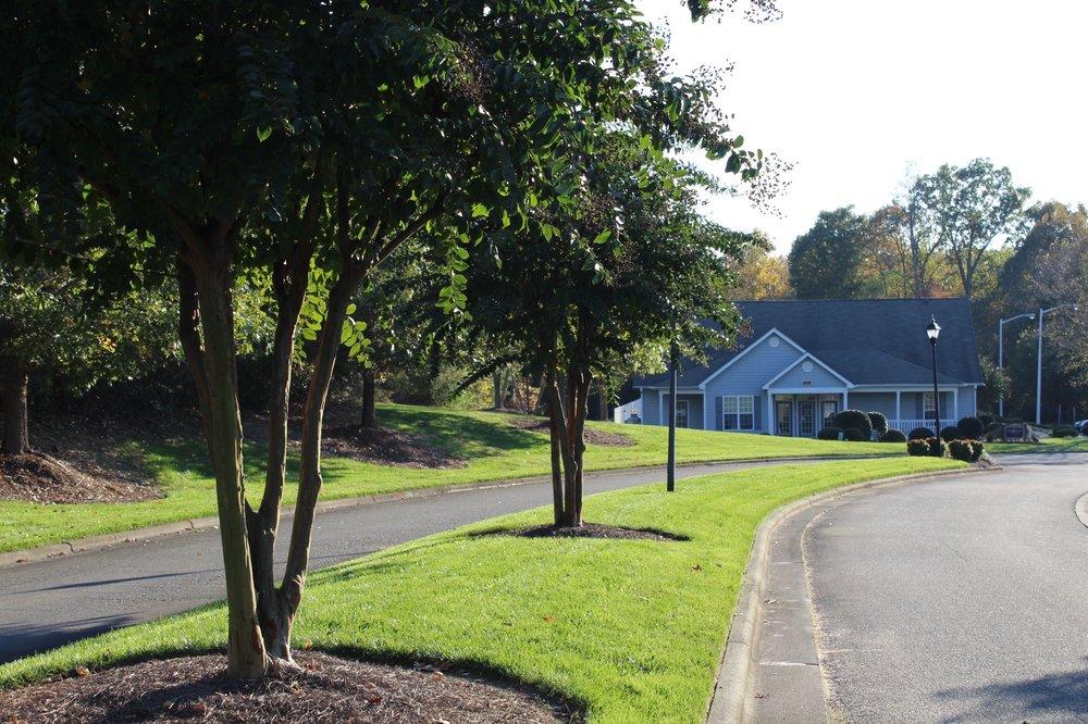 Granville Oaks Apartment Homes: 2162 Mill Stream Cir, Creedmoor, NC