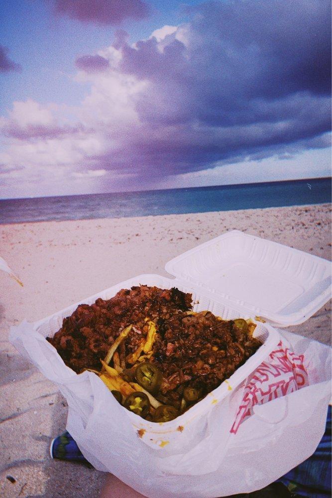 Zacks Snacks BBQ: 3601 N Ocean Dr, Hollywood, FL