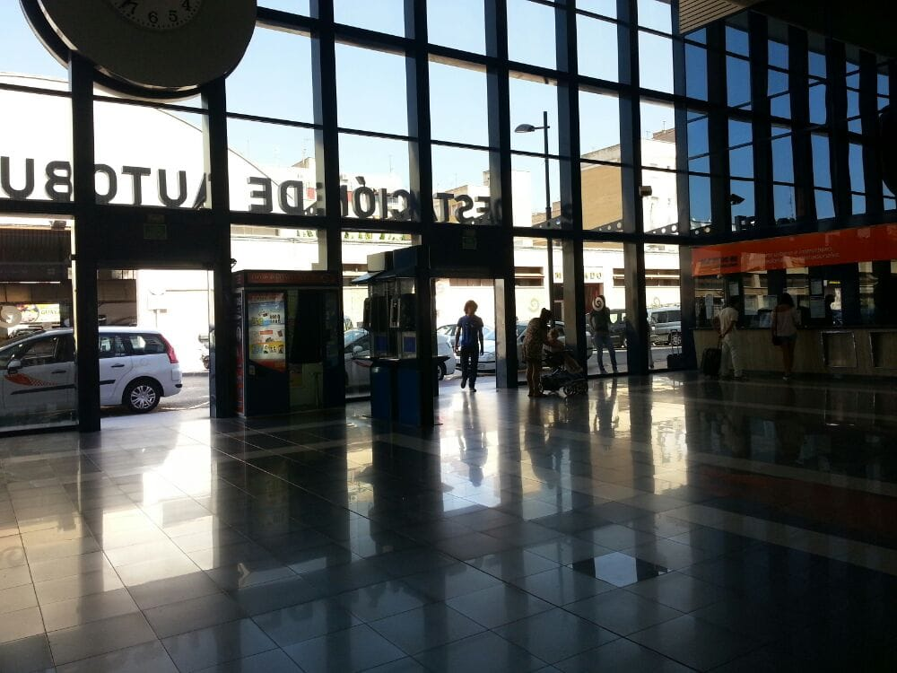 Estacion de autobuses de murcia oficinas de tr fico y for Oficinas ups madrid