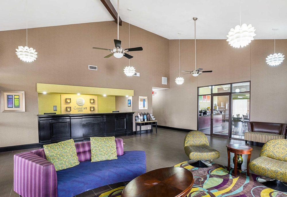 Comfort Inn: 2001 North Bolton Ave, Alexandria, LA