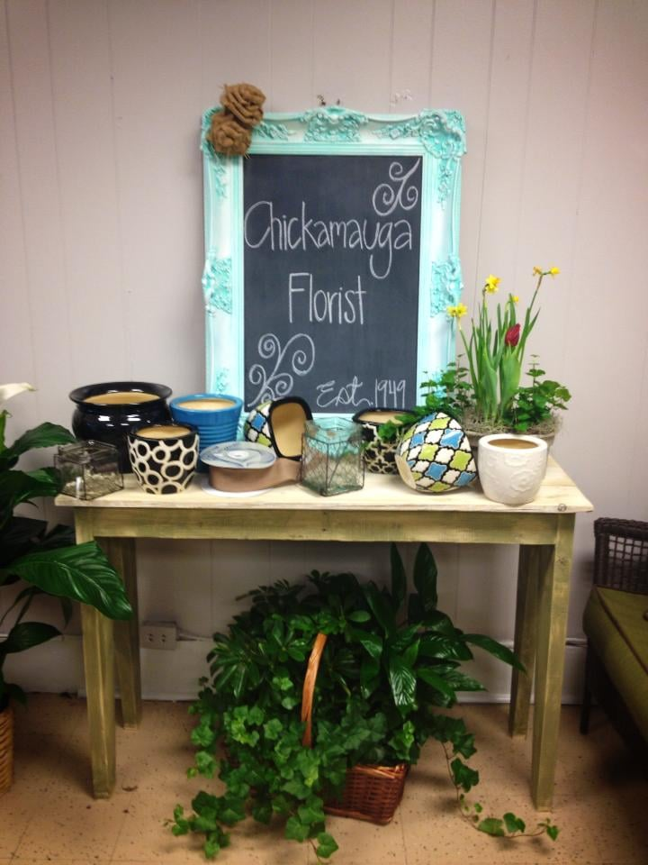 Chickamauga Flower Shop: 205 Lee Ave, Chickamauga, GA