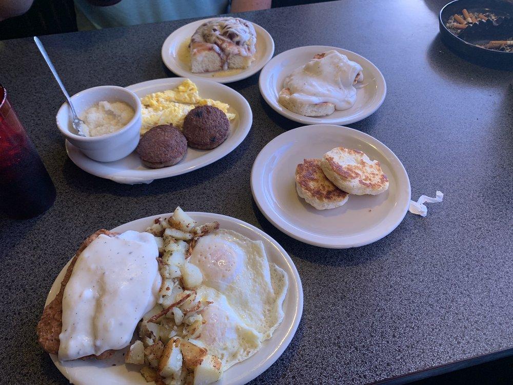 Metro Diner: 105 Industrial Dr, Sulphur Springs, TX