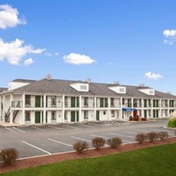 Photo Of Baymont By Wyndham Tullahoma Tn United States Inn
