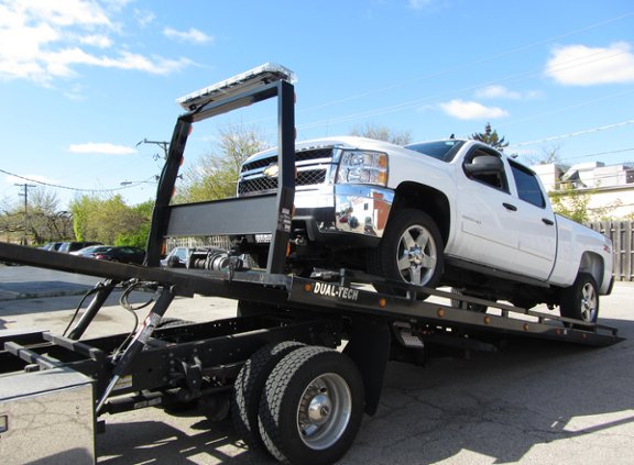 Thurber 24 Hour Towing: Petersburg, IL