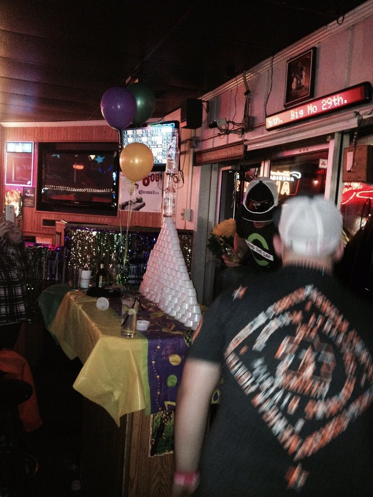 Jammer's Pub: 1505 Galvin Rd S, Bellevue, NE