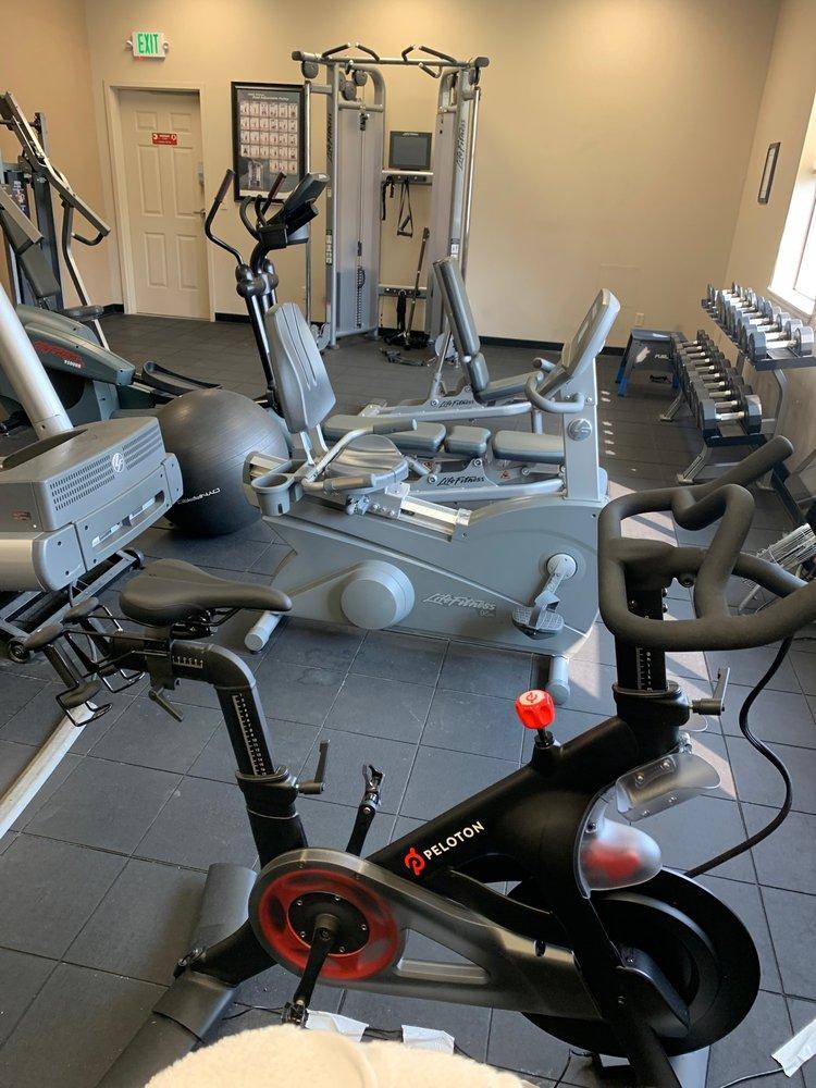 Resort Sports Center at Eagle Crest Resort: 1580 Swallow Ln, Redmond, OR