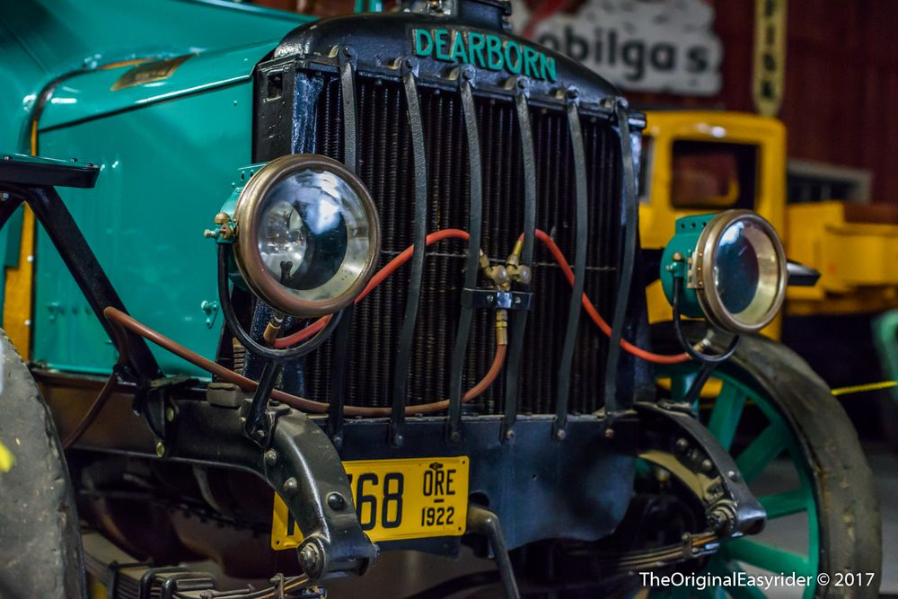 Pacific Northwest Truck Museum: 3995 Brooklake Rd NE, Brooks, OR