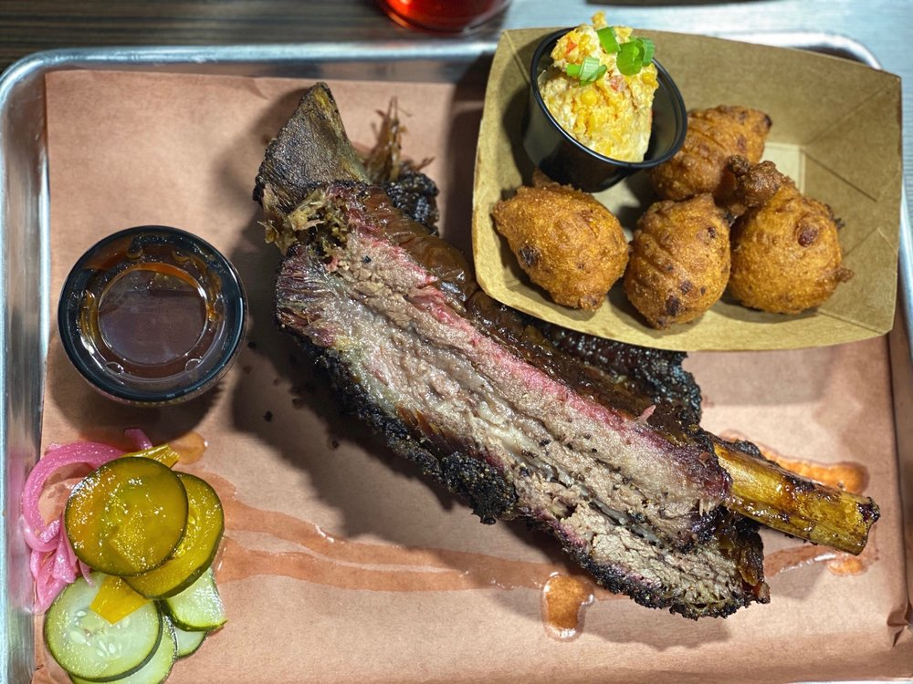 Mimsy's Craft Barbecue: 1979 S 5th St, Crockett, TX