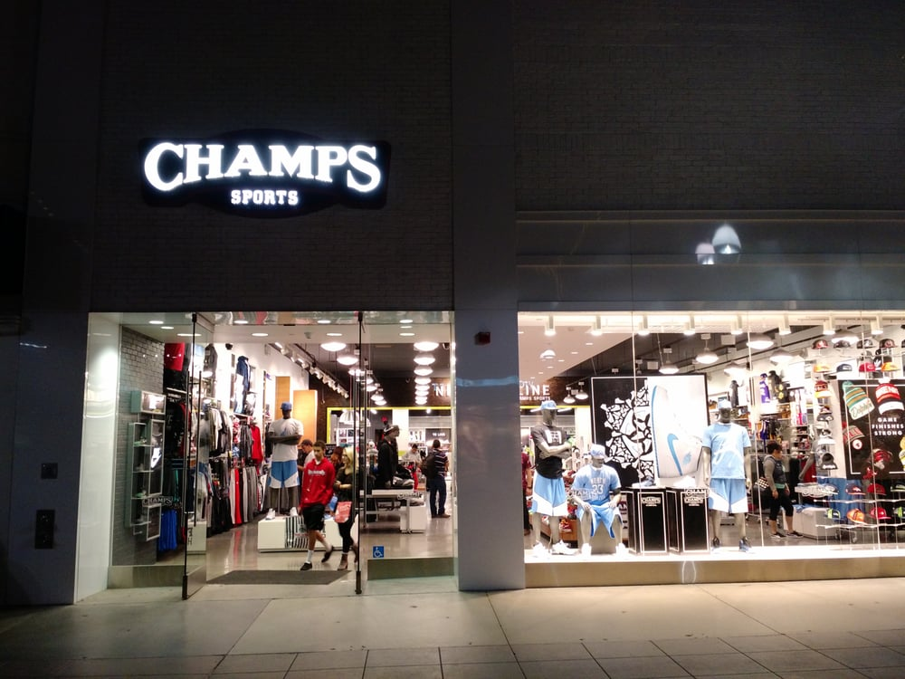 Champs Sports: 1248 3rd St Promenade, Santa Monica, CA