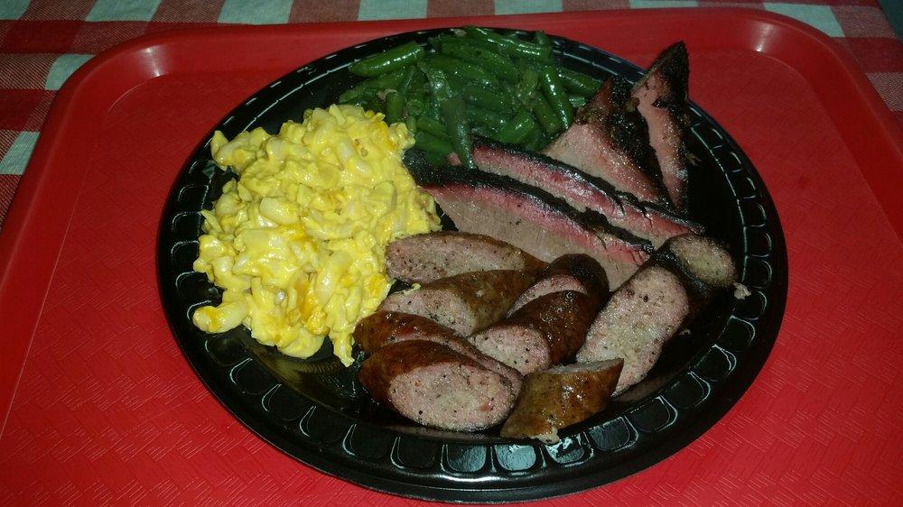 Brice's BBQ: 8222 Hwy 146 N, Baytown, TX