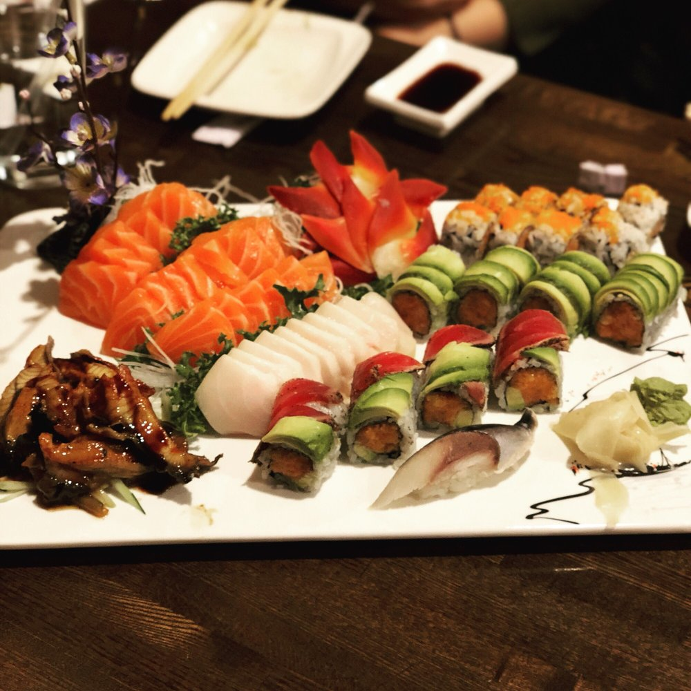 Hoshi Sushi: 1320 Stony Brook Rd, Stony Brook, NY