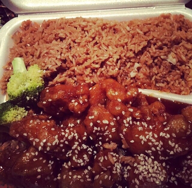 Lucky Wok Chinese Kitchen 27 Reviews Chinese 5910 Middlebelt Rd Garden City Mi