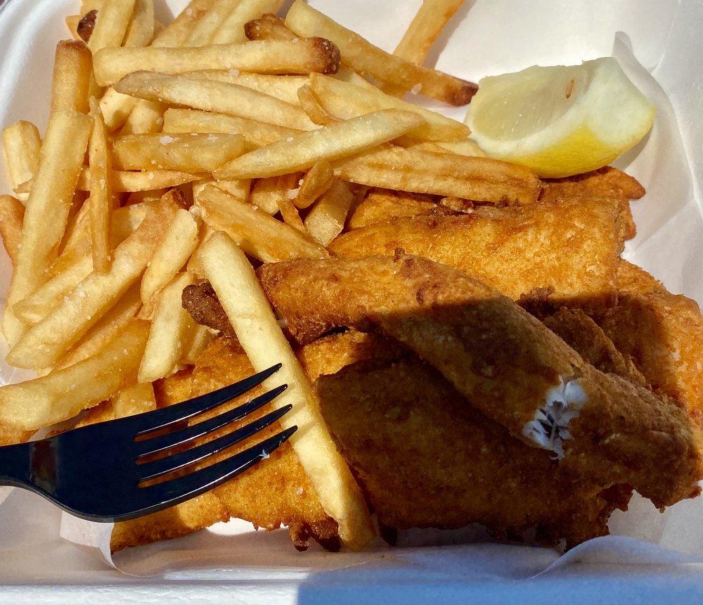 Peterson's Fish Market: 49813 US Hwy 41, Hancock, MI
