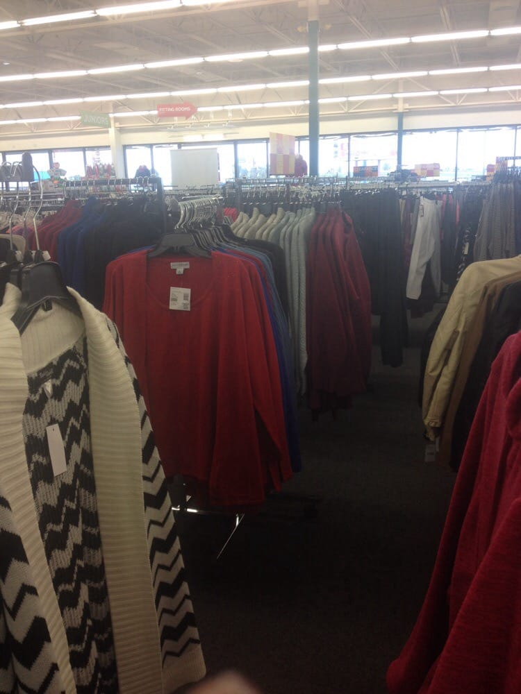 VF Outlet: 100 Outlet Dr, Sikeston, MO