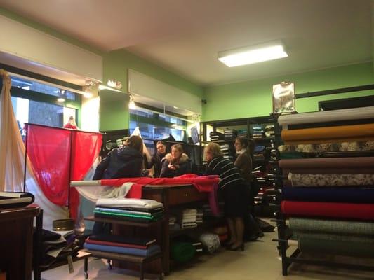 Vergani e meroni negozi di tessuti via monza 18 for Tessuti arredamento monza