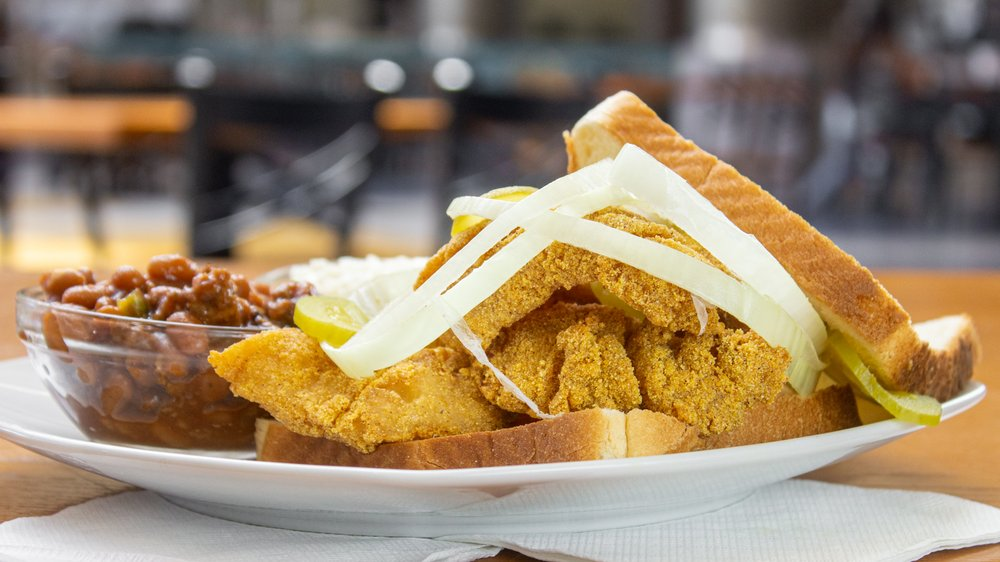 Martin's Chicken and Waffles: 1000 Rivergate Pkwy, Goodlettsville, TN