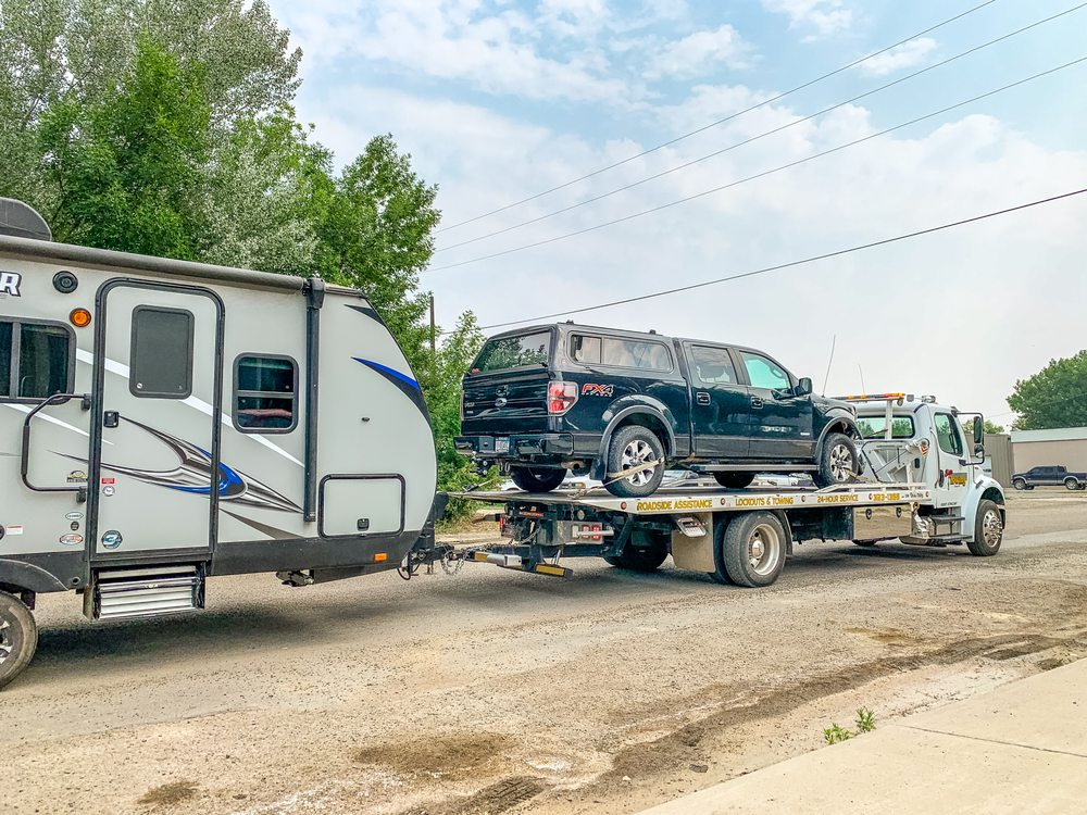 Elite Towing: 106 1st Ave E, Roundup, MT