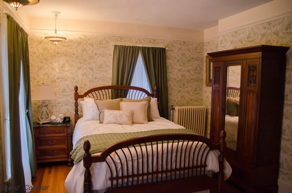 Grand Colonial Bed and Breakfast: 112 West German St, Herkimer, NY