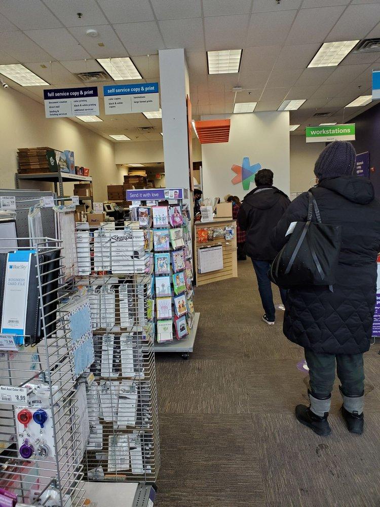 FedEx Office Print & Ship Center: 689 Sunrise Hwy, Lynbrook, NY