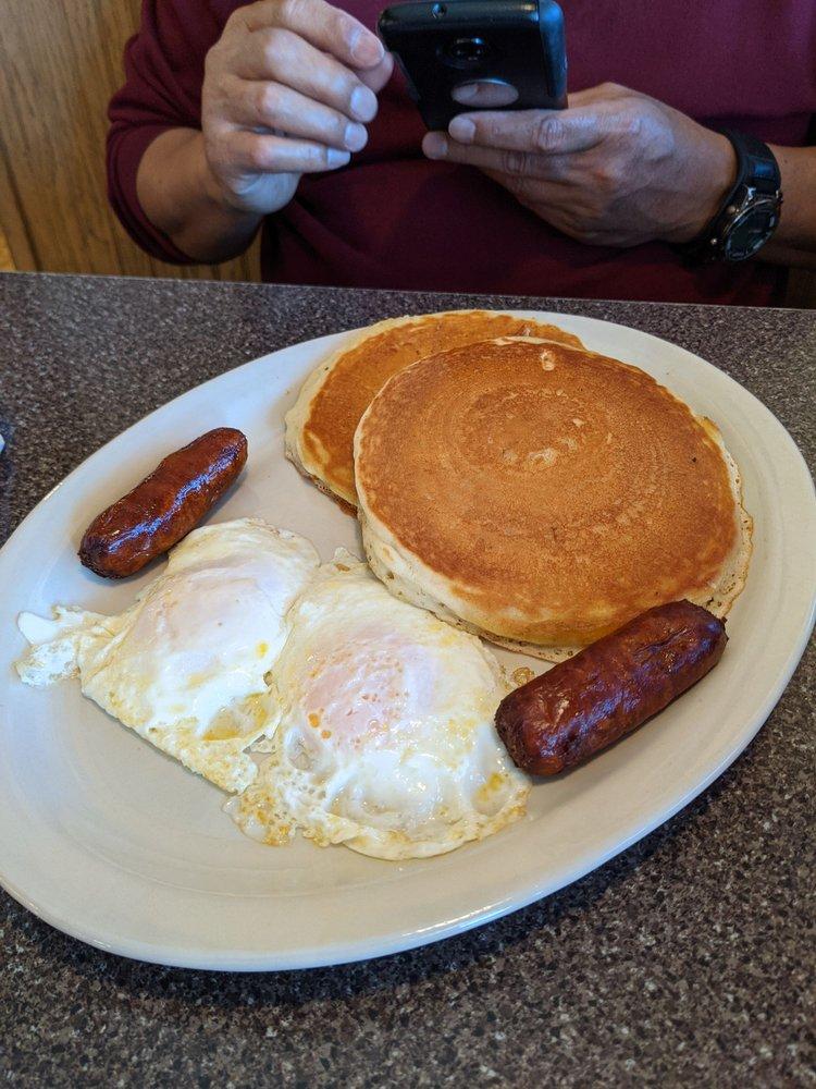Dixie Cafe: 501 S Main St, Mc Lean, IL