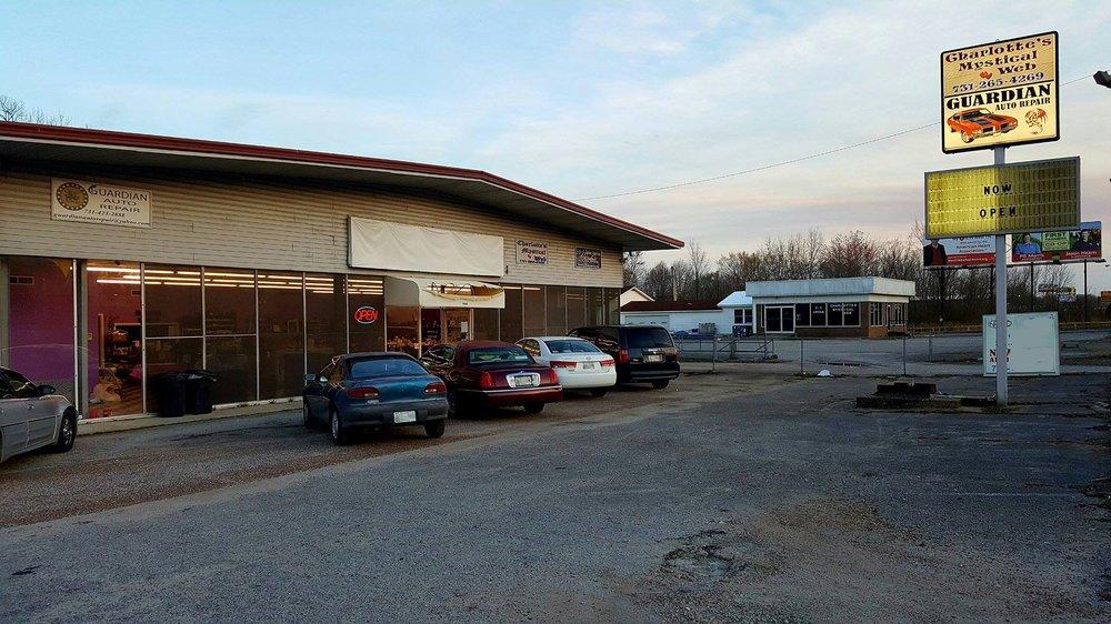 Charlotte's Mystical Web: 964 S Highland Ave, Jackson, TN