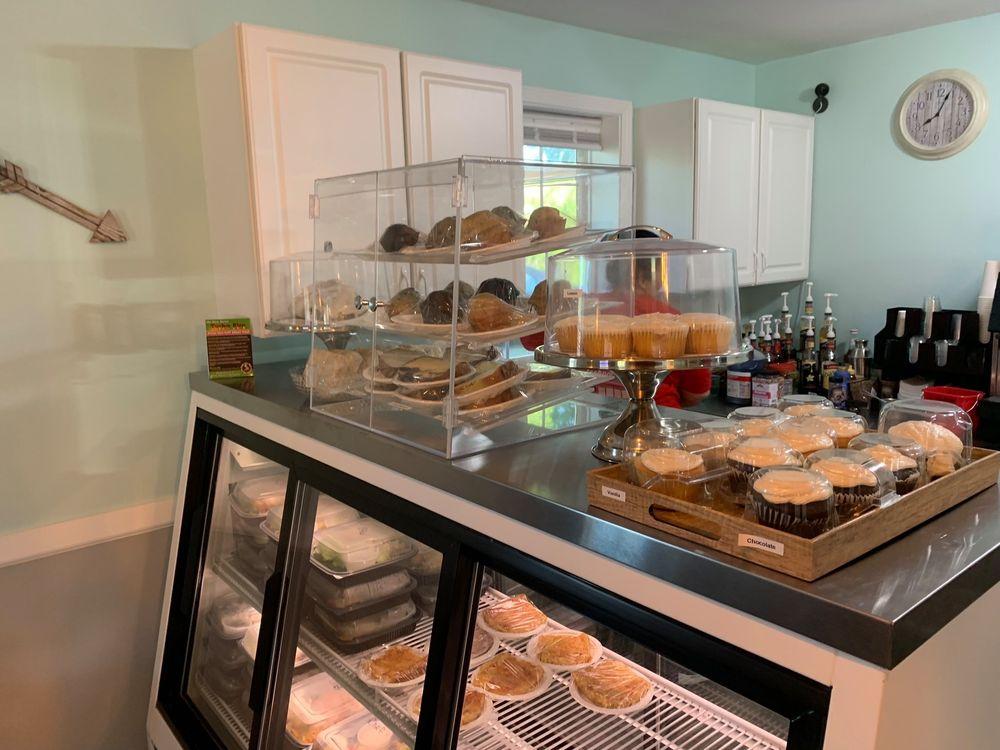 The Roasted Bean Coffee and Wine Bar: 402 W Jackson St, Auburn, IL