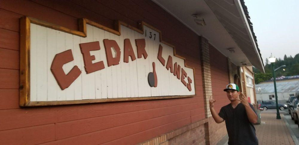 Cedar Lanes: 137 Main St, Weed, CA
