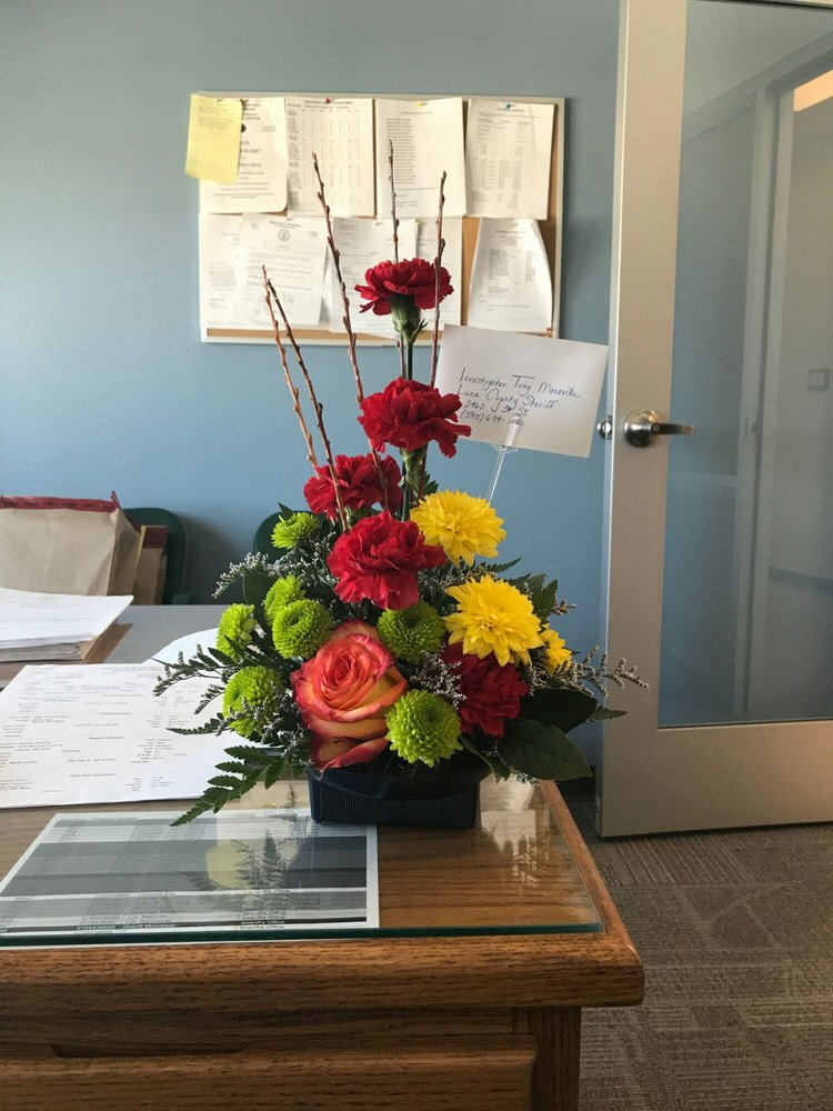 Chandlers Flowers And Gifts: 605 E Florida St, Deming, NM