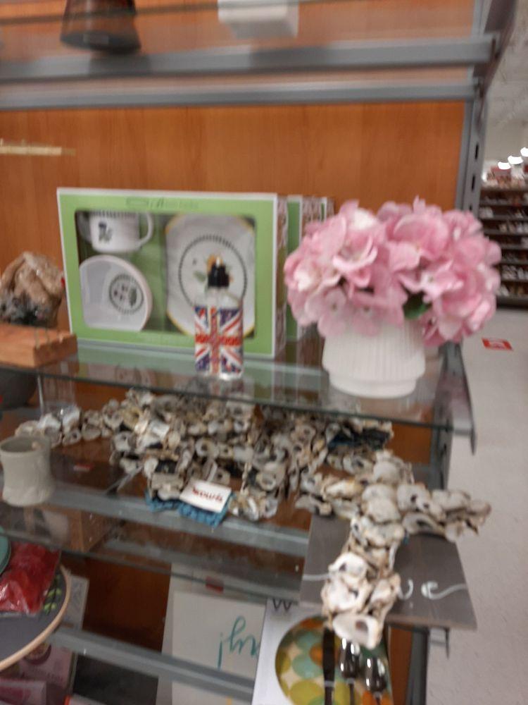 TJ Maxx: 494 Marketplace Blvd, Selinsgrove, PA