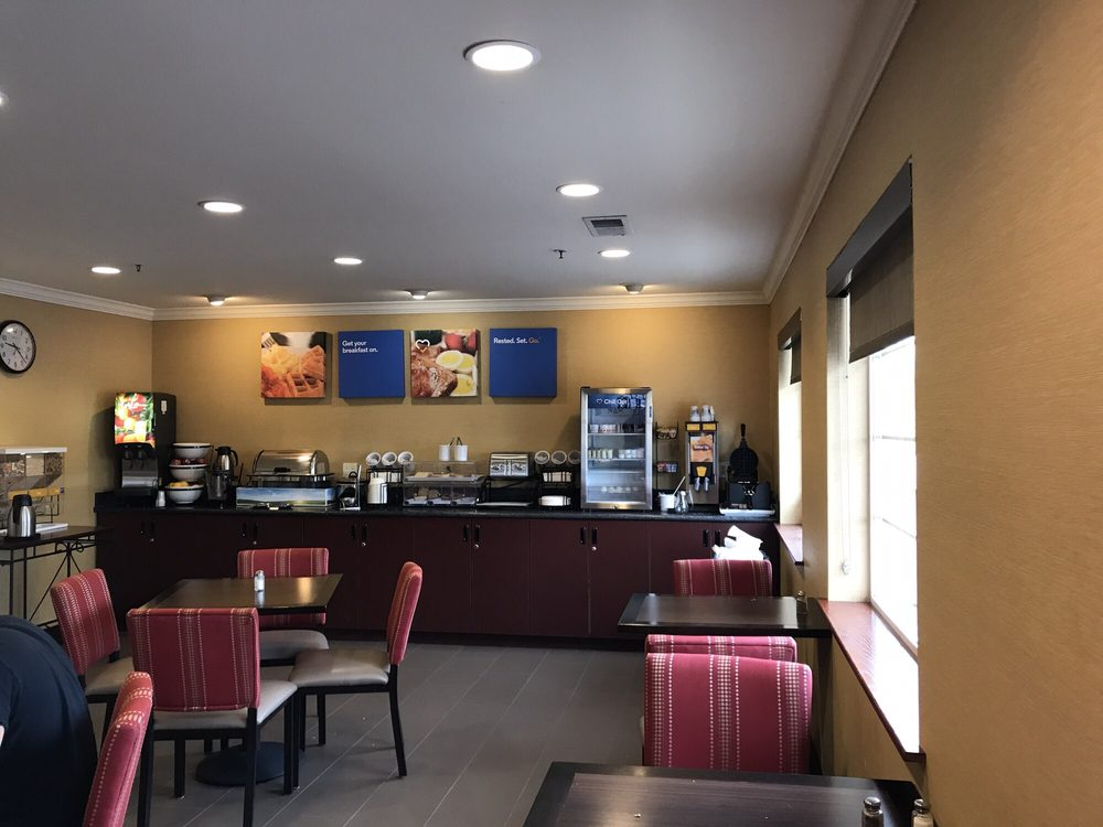 Comfort Inn Columbia Gorge: 351 Lone Pine Drive, The Dalles, OR