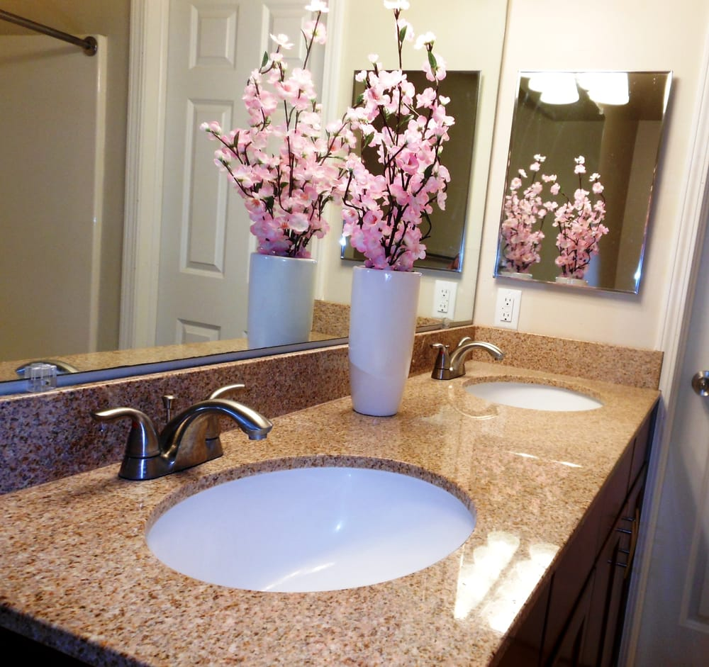 Waterford Place Apartments: Waterford Place Townhomes