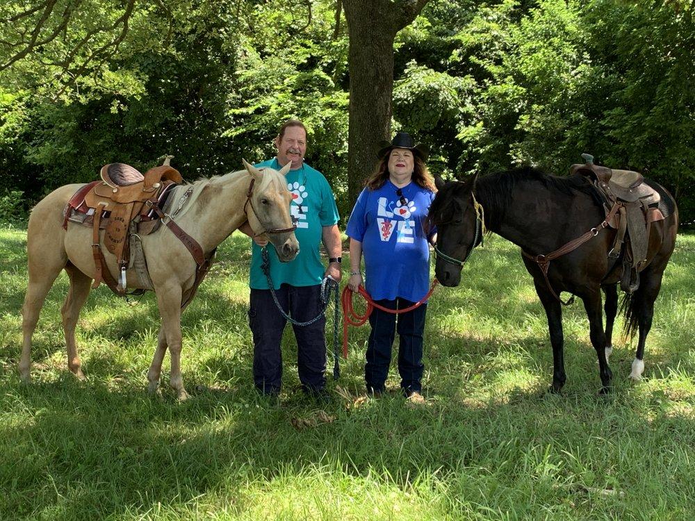 Country Veterinary Service: 12377 Jim Devault Rd, Farmington, AR