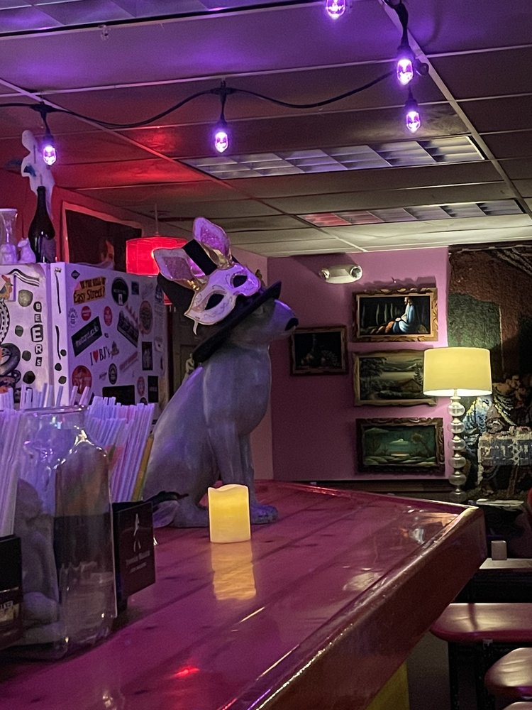 Easy Street Lounge: 7 Front St, Hallowell, ME