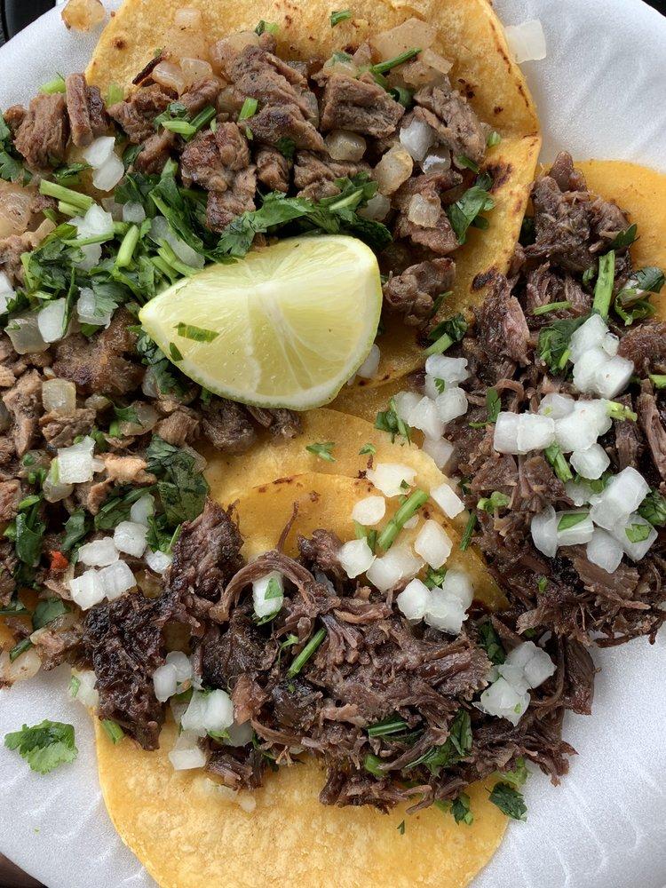 Chinto's Super Taco: 400 E 6th St, Del Rio, TX