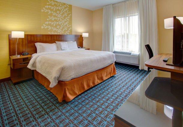 Fairfield Inn & Suites Chincoteague Island Waterfront: 3913 Main St, Chincoteague, VA
