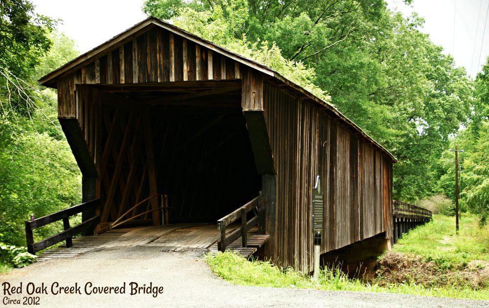 Red Oak Creek Covered Bridge: Covered Bridge Rd, Woodbury, GA