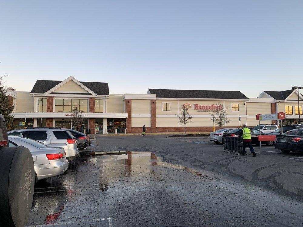 Hannafords Supermarket: 65 Portland Rd, Kennebunk, ME