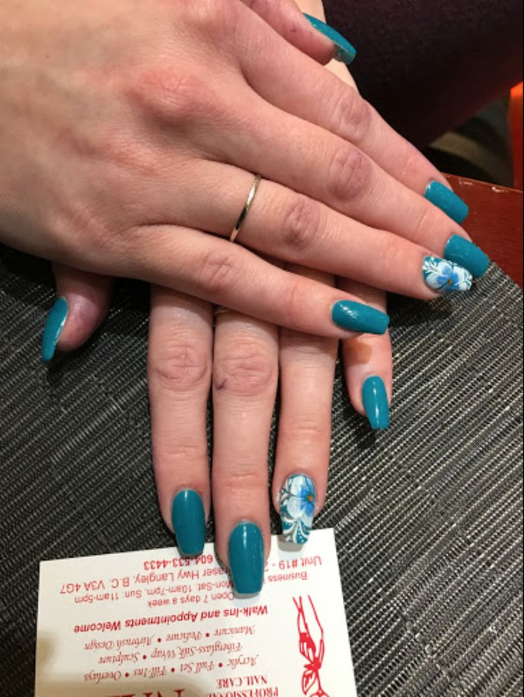 Modern Nails And Spa: 20811 Fraser Highway, Langley