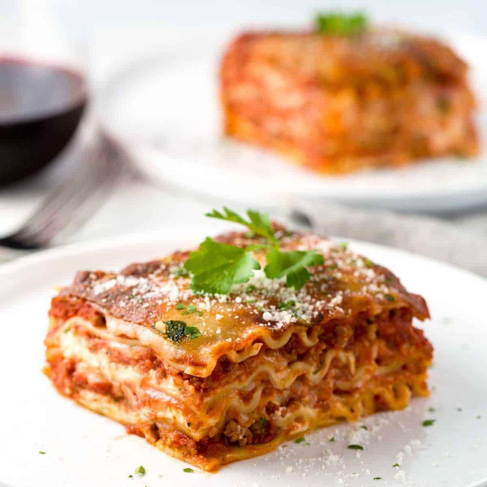 Luciano's Cucina Di Pasta: 401 Peninsula Dr, Lake Almanor, CA