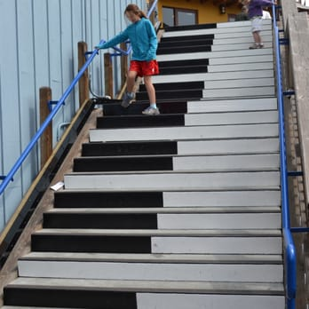 how to move a spinet piano up stairs