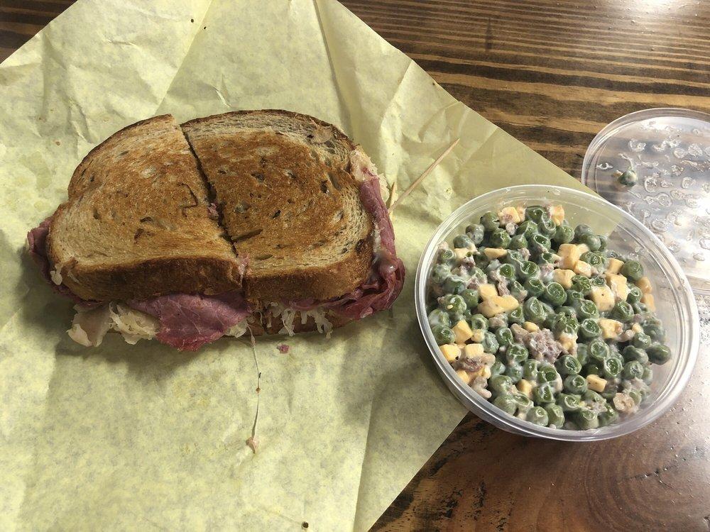 Wenzel Lonestar Meat Company: 209 N Bell St, Hamilton, TX