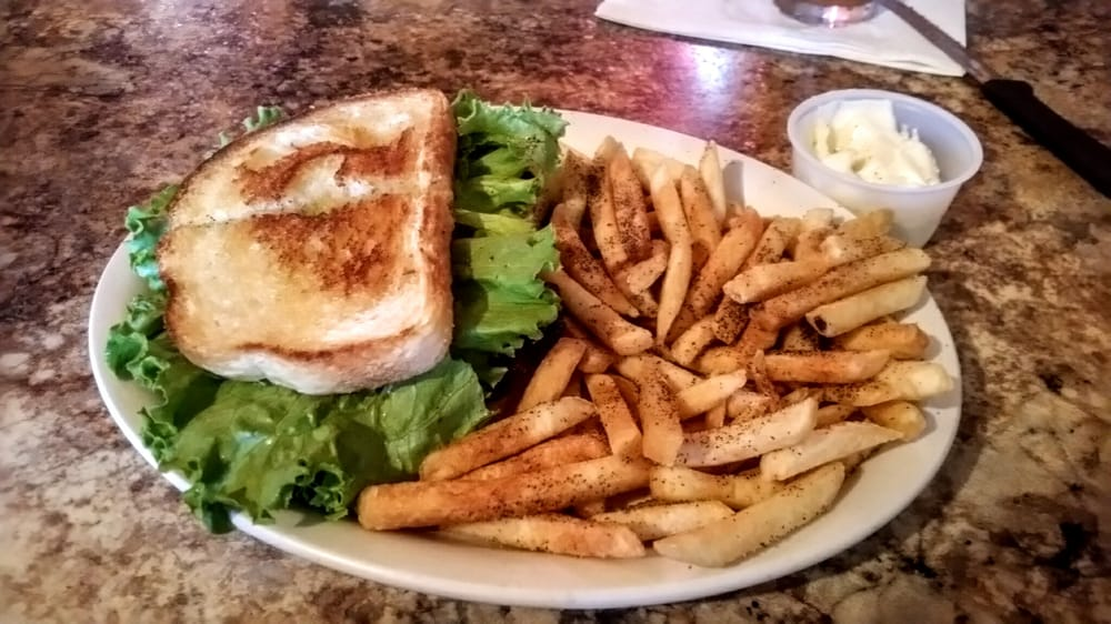 Jiggers Grill: 130 Central Ave S, Milaca, MN