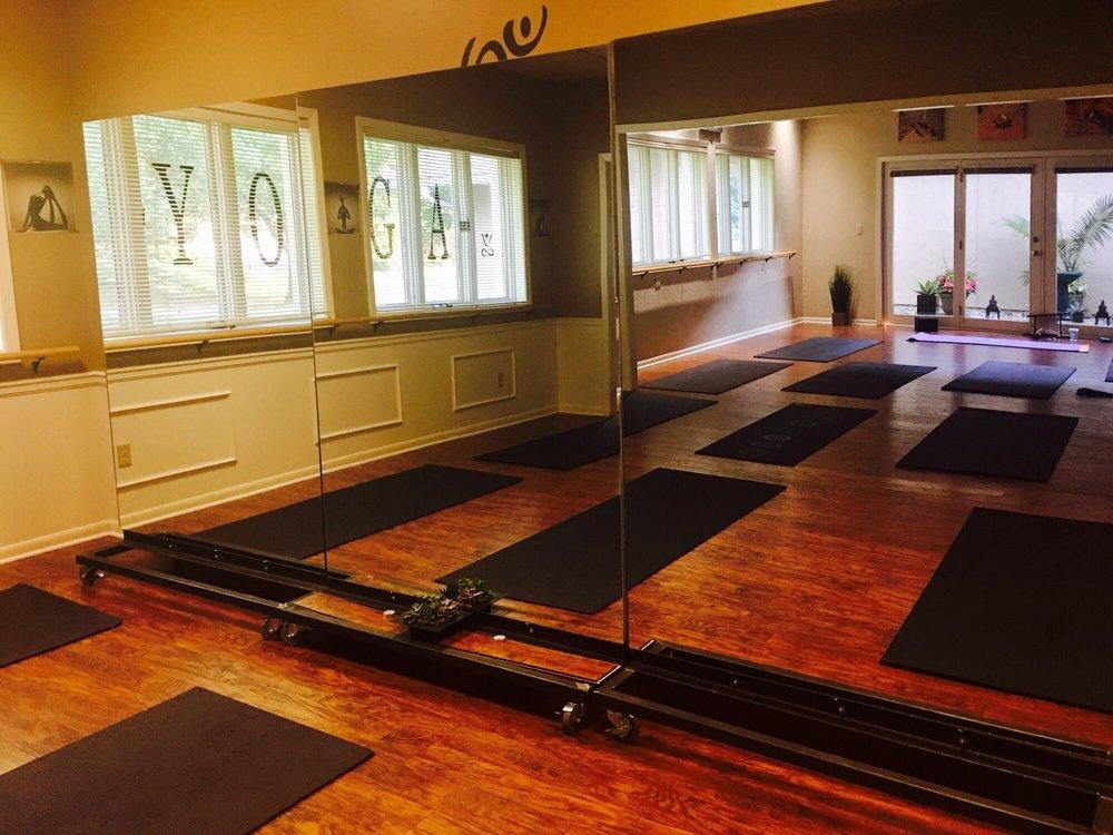 Seeking Solace Yoga Studio: 9200 Glenwood St, Overland Park, KS
