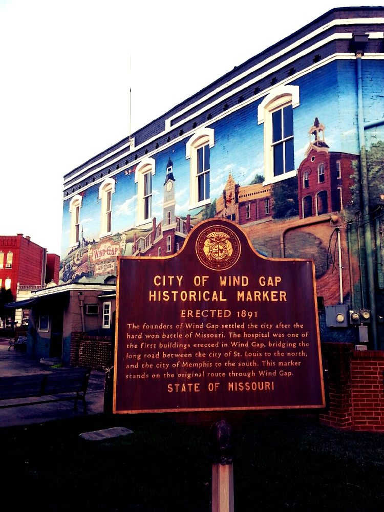 Lamar Arts: 101 Plaza Way, Barnesville, GA