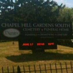 photo of chapel hill gardens south cemetery oak lawn il united states - Garden Oak Funeral Home