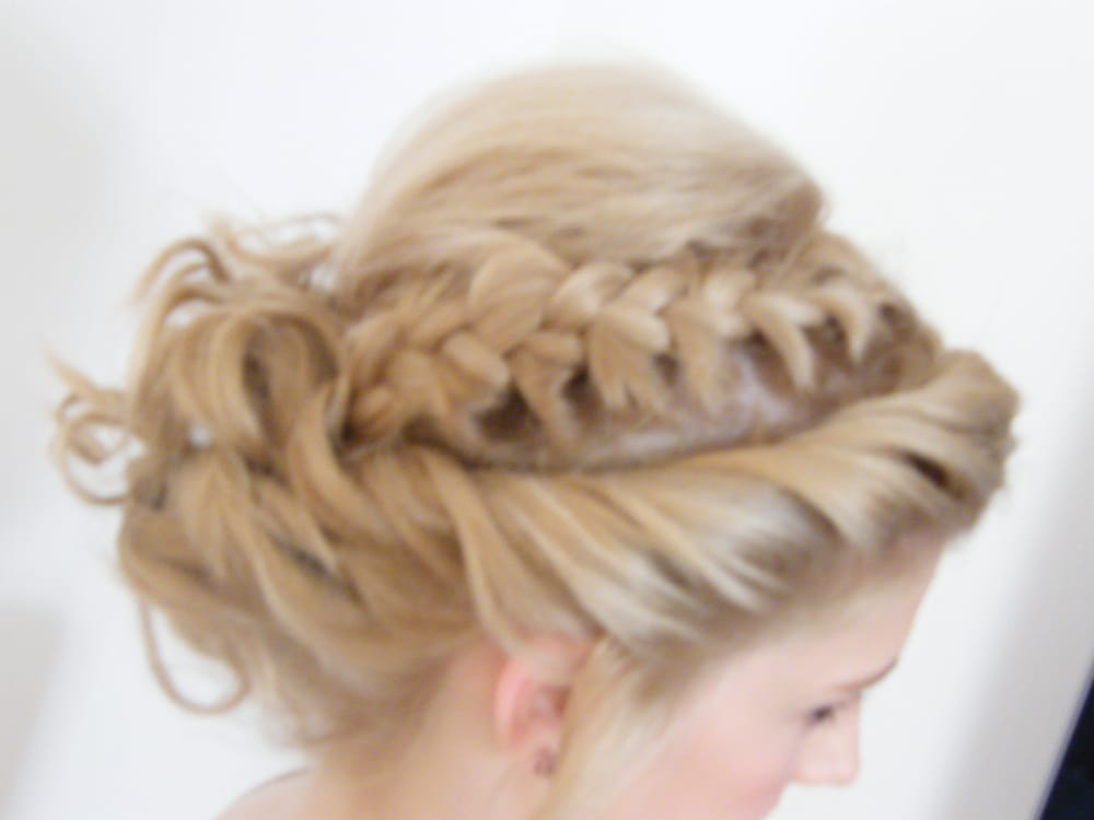 Prom Hairstyle Plait And Twist Going Into A Curly Messy Bun Yelp