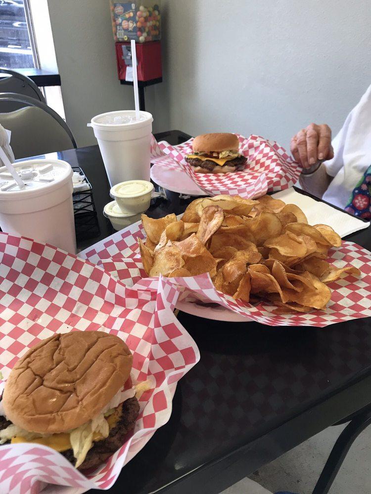 Main Street Grill: 15 Oglethorpe St, Ellaville, GA
